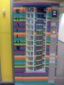 Aeroporto di Linate - distributore automatico di calzini
