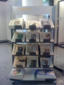 Aeroporto di Francoforte - Quotidiani tedeschi e americani per riempire l'attesa